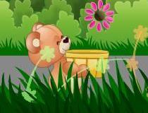 Мишка ловит цветы