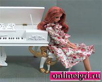 Барби у пианино