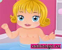 Малышка Барби в ванной